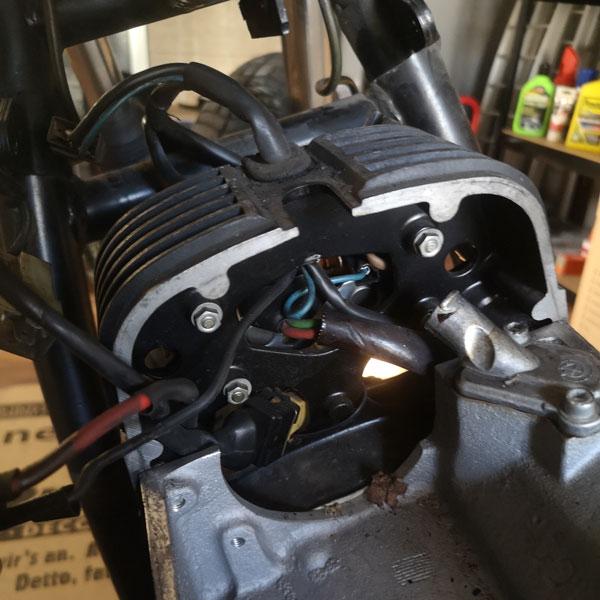 BMW Bobber Boxermotor Motorenelektronik vorher