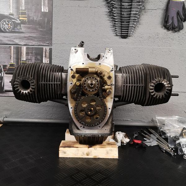 BMW R100 Boxermotor vor der Revision 40 Jahre alt